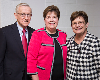 Roger and Marilyn Mahr with Dean Lisa K. Nolan